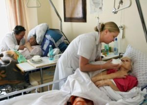 уход за больными в больнице