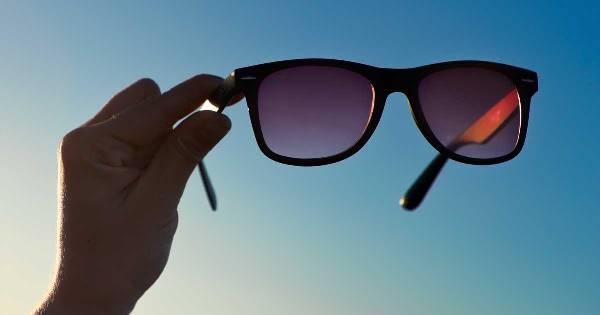 Необходимо использовать солнцезащитные очки